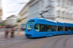 επιταχυνόμενο τραμ Στοκ εικόνα με δικαίωμα ελεύθερης χρήσης