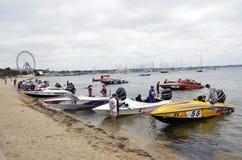 Επιταχύνετε τις βάρκες. Στοκ εικόνα με δικαίωμα ελεύθερης χρήσης