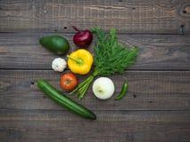 επιτραπέζια λαχανικά φρέσκιας αγοράς αγροτών ξύλινα Στοκ Εικόνα