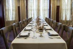 Επιτραπέζια οργάνωση για το γεύμα διακοπών στοκ εικόνες