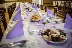 Επιτραπέζια ρύθμιση γαμήλιου συμποσίου Στοκ Φωτογραφία