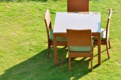 Επιτραπέζιες έδρα και σκιά Στοκ Εικόνες