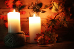Επιτραπέζιες διακοσμήσεις για χαρασμένα τα αποκριές επικεφαλής κεριά κολοκύθας Στοκ φωτογραφία με δικαίωμα ελεύθερης χρήσης