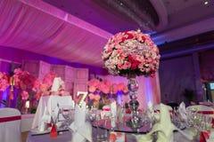 επιτραπέζιος γάμος γυαλιών εστίασης Στοκ Εικόνες