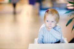 επιτραπέζιο μικρό παιδί συ& Στοκ Φωτογραφία