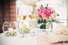 Επιτραπέζιο ντεκόρ γαμήλιας τελετής στοκ φωτογραφίες με δικαίωμα ελεύθερης χρήσης