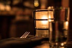 Επιτραπέζιο σύνολο εστιατορίων Bokeh Στοκ φωτογραφία με δικαίωμα ελεύθερης χρήσης