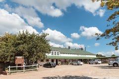 Επιτροπή πληροφοριών για το Sir Lowrys Pass στον αγροτικό στάβλο οπωρώνων Στοκ Εικόνες