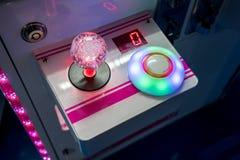 Επιτροπή ραβδιών χαράς για τον ελεγκτή παιχνιδιών arcade Εκλεκτική εστίαση στο ι Στοκ Εικόνες