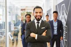 Επιτυχής επιχειρηματίας ή σύμβουλος στοκ φωτογραφία με δικαίωμα ελεύθερης χρήσης