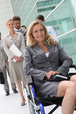 Επιτυχής επιχειρηματίας στην αναπηρική καρέκλα Στοκ εικόνες με δικαίωμα ελεύθερης χρήσης