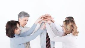 Επιτυχής επιχειρησιακή ομάδα που συνδέει και που εργάζεται από κοινού στοκ φωτογραφίες