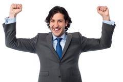 Επιτυχής συγκινημένος αρσενικός επιχειρηματίας Στοκ Εικόνα