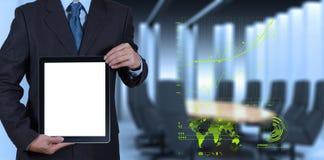 Επιτυχία επιχειρηματιών που λειτουργεί με τον κενό υπολογιστή ταμπλετών τον πίνακά του Στοκ φωτογραφία με δικαίωμα ελεύθερης χρήσης