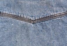 Επιφάνεια τζιν παντελόνι με τη βελονιά Στοκ φωτογραφία με δικαίωμα ελεύθερης χρήσης