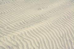 Επιφάνεια του αμμόλοφου άμμου στην έρημο Στοκ φωτογραφία με δικαίωμα ελεύθερης χρήσης