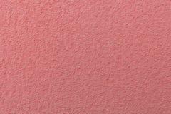 Επιφάνεια του επικονιασμένου τοίχου που χρωματίζεται στο χρώμα-καθιερώνον τη μόδα χρώμα κοραλλιών του έτους του 2019 στοκ εικόνες
