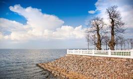 Επιφυλακή με τις απόψεις της θάλασσας στοκ εικόνες
