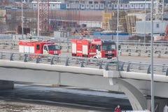 Επιχείρηση διάσωσης μετά από το λειώνοντας πάγο στη γέφυρα Kadyrov στοκ εικόνα με δικαίωμα ελεύθερης χρήσης