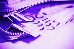Επιχείρηση, χρηματοδότηση, επένδυση, αποταμίευση και έννοια μετρητών - το στενό u Στοκ φωτογραφία με δικαίωμα ελεύθερης χρήσης