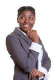 Επιχειρηματίας από την Αφρική που κοιτάζει λοξά Στοκ εικόνα με δικαίωμα ελεύθερης χρήσης
