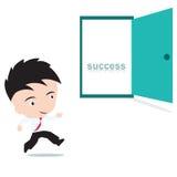 Επιχειρηματίας ευτυχής στο περπάτημα στη ανοιχτή πόρτα με επιτυχία λέξης μέσα, που παρουσιάζεται με μορφή Στοκ Φωτογραφίες