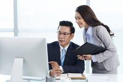 Επιχειρηματίας και βοηθός Στοκ Εικόνες