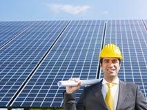 Επιχειρηματίας και ηλιακά πλαίσια Στοκ φωτογραφία με δικαίωμα ελεύθερης χρήσης