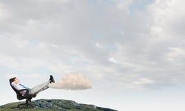 Επιχειρηματίας και ιδέες στο κεφάλι του Στοκ Εικόνες