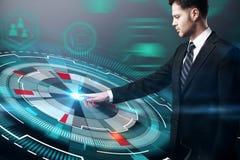 Επιχειρηματίας και cyber κουμπί Στοκ εικόνες με δικαίωμα ελεύθερης χρήσης