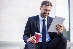 Επιχειρηματίας μετά από την επιτυχή διαπραγμάτευση Στοκ Εικόνες