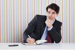 Επιχειρηματίας με τα έγγραφα Στοκ εικόνα με δικαίωμα ελεύθερης χρήσης
