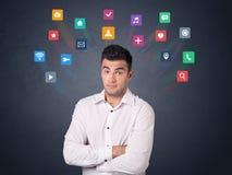 Επιχειρηματίας με τα ζωηρόχρωμα apps Στοκ φωτογραφία με δικαίωμα ελεύθερης χρήσης