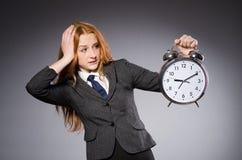 Επιχειρηματίας με το ρολόι Στοκ εικόνα με δικαίωμα ελεύθερης χρήσης