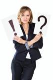 Επιχειρηματίας με το σημάδι ερώτησης και θαυμαστικών Στοκ Εικόνες