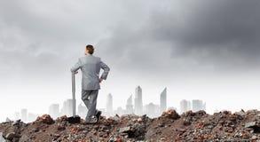 Επιχειρηματίας με το σφυρί Στοκ Φωτογραφίες