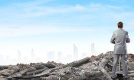 Επιχειρηματίας με το σφυρί Στοκ Φωτογραφία