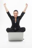 Επιχειρηματίας με το lap-top. Στοκ Φωτογραφία