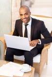 Επιχειρηματίας με το lap-top. Στοκ εικόνες με δικαίωμα ελεύθερης χρήσης