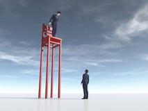 Επιχειρηματίας μπροστά από μια μακριά καρέκλα ποδιών ελεύθερη απεικόνιση δικαιώματος