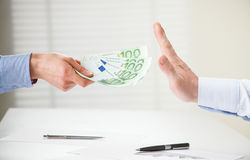 Επιχειρηματίας που αρνείται να πάρει μια δωροδοκία Στοκ Φωτογραφία