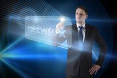 Επιχειρηματίας που δείχνει το δίκτυο λέξης Στοκ Εικόνα
