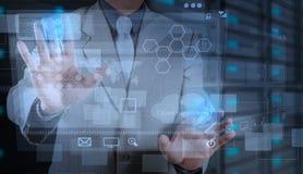 Επιχειρηματίας που εργάζεται με τη νέα τεχνολογία ως έννοια Στοκ Εικόνα