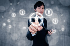 Επιχειρηματίας που εργάζεται με το ψηφιακό οπτικό αντικείμενο, ανθρώπινο δυναμικό στοκ εικόνες