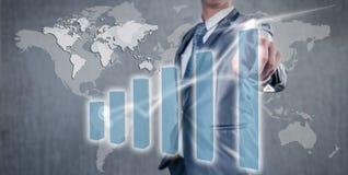 Επιχειρηματίας που εργάζεται στην έννοια επιχειρησιακής στρατηγικής ιστογραμμάτων Στοκ Εικόνα
