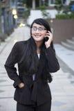 Επιχειρηματίας που κάνει ένα τηλεφώνημα στοκ φωτογραφία
