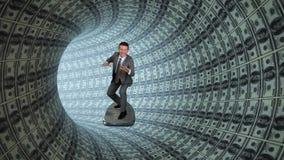 Επιχειρηματίας που κάνει σερφ μέσα σε έναν σωλήνα των αμερικανικών δολαρίων, μήκος σε πόδηα αποθεμάτων απόθεμα βίντεο