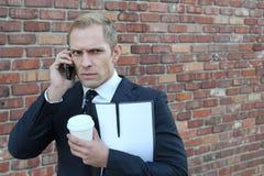 0 επιχειρηματίας που καλεί τηλεφωνικώς Στοκ φωτογραφία με δικαίωμα ελεύθερης χρήσης