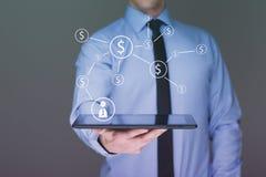 Επιχειρηματίας που κρατά ένα PC ταμπλετών με τα εικονίδια δολαρίων τρισδιάστατη απεικόνιση Διαδίκτυο επιχειρησιακής έννοιας Στοκ Εικόνες