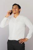 Επιχειρηματίας που μιλά στο τηλέφωνό του Στοκ Εικόνες